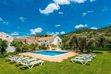 Große Landhaus-Finca in idyllischer Umgebung - 18 km von Antequera