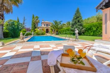 4-bedroom holiday villa 10 km from Ronda