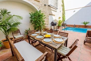 Stijlvolle vakantievilla met gezellig overdekt terras in de provincie Córdoba