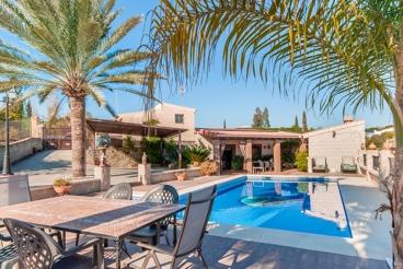 Belle Villa pour 6 personnes avec cuisine extérieure près de Alhaurin el Grande