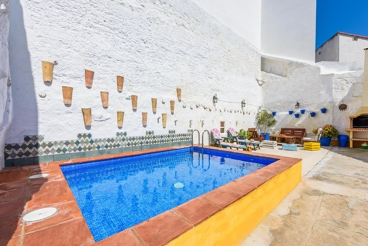 Rustic villa for 13 people - 17km from Antequera