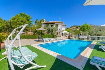 Ferienhaus mit privatem Pool und Freizeitangebto in Illora