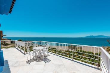 Prachtige villa aan het strand en dichtbij het centrum van de stad Malaga