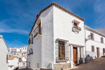 Huge villa for groups in the Sierra de Cadiz