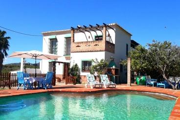 Villa met 3 slaapkamers midden in de natuur - 30 km van Malaga