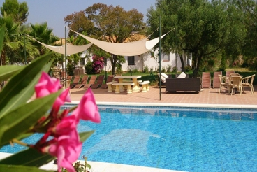 Spectacular 11-bedroom farmhouse with WiFi in Seville province