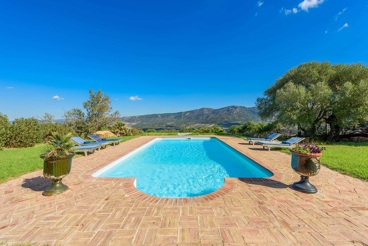 4-bedroom villa with fabulous outdoors near the beach in Tarifa