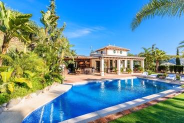 Spectacular holiday villa in Malaga province - privacy guaranteed