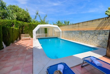 Nice holiday home with 3 bedrooms and air-con in Mijas Costa