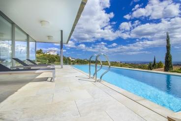 Impresionante villa de lujo todo confort con terraza panorámica en Mijas