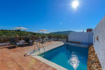 Maison de vacances à Alozaina avec jolis extérieurs