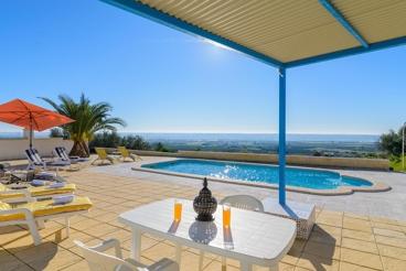 Ferienhaus-Villa mit groβzügigen Räumen in der Provinz von Sevilla