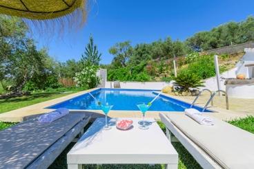 Vakantiehuis met prachtige tuin en fraai uitzicht vlakbij Antequera