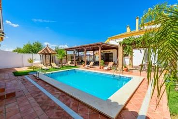 12-persoons vakantievilla voorzien van alle comfort in Fuente de Piedra