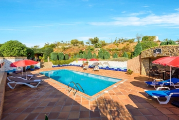 Apartment to discover the province of Malaga - owns a private yard with BBQ