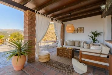 Casa rural con coqueta terraza exterior entre Torrox y Frigiliana