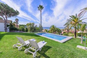 Splendid luxury villa with panoramic rooftop terrace near Tarifa