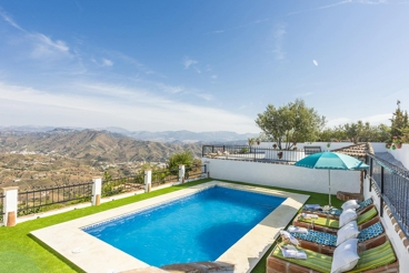 6-people holiday home with pool and hill views in Almáchar