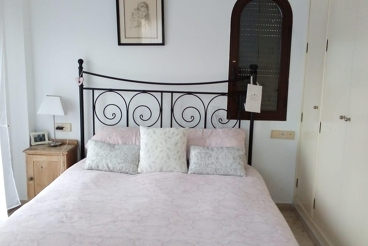 3-bedroom apartment in a complex in Manilva