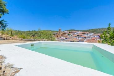 Casa rústica con toques modernos y piscina privada en la provincia de Huelva