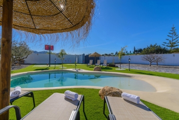 Holiday home with heated pool and minigolf course