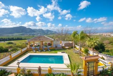 Ferienhaus mit Pool und Grill in Cártama.