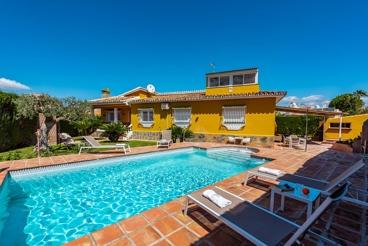 Fantastisch ingericht vakantiehuis met een goed onderhouden tuin in de buurt van Malaga