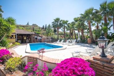 Apartamento cerca de la playa con Wifi y piscina en Alhaurín el Grande