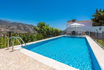 Casa de vacaciones con exteriores acogedores, entre Nerja y Frigiliana