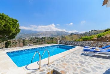 Vakantiehuis in de heuvels ten zuiden van Competa, met schitterend uitzicht