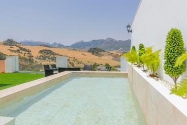 Casa rural con espléndida terraza y vistas panorámicas - para 12 personas