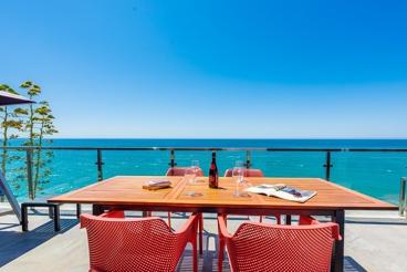 Seafront holiday villa with breathtaking sea views in Rincón de la Victoria