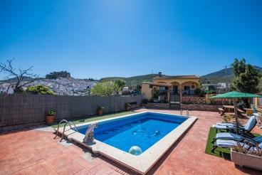 Casa Rural con barbacoa y piscina en Ardales
