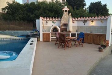 Holiday Home with Wifi and swimming pool in Canillas de Albaida