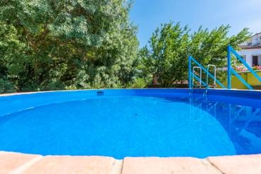 Casa rural para parejas con coqueta terraza y jardín privado