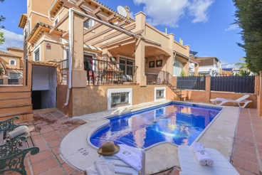 Holiday home with private pool between Torremolinos and Malaga