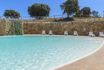 Fabulous holiday villa with spectacular private pool - sleeps 20
