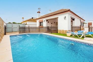 Casa con piscina vallada a 4 km de la playa en Conil de la Frontera