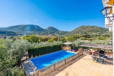 Casa con piscina vallada en un precioso entorno rural