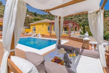 Gezellig vakantiehuis met uitzicht op zee in Torrox Pueblo - geschikt voor 6 personen