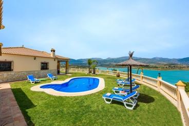 Villa pittoresque avec vue magnifique sur le lac