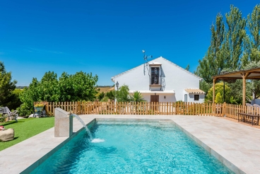 Countryhouse with gorgeous private pool 7 km from Ronda