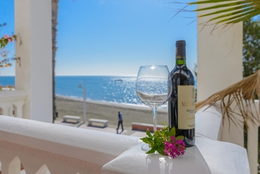 Beach-front holiday home with authentic decor 15 km from Malaga