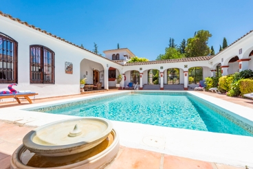 Casa rural con piscina climatizada para grupos cerca de Ronda
