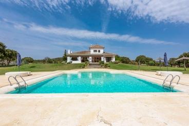 Vakantiehuis met zwembad en barbecue in Antequera