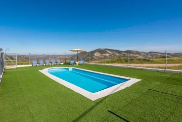 Casa Rural con piscina y barbacoa en Olvera
