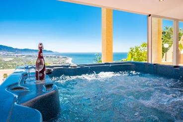 Casa de vacaciones con Jacuzzi exterior e impresionantes vistas, cerca de Nerja