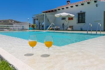 Cosy holiday home all comfort with glazed veranda and stunning vistas