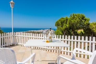 Vakantiehuis met zeezicht en omheind zwembad in de buurt van Malaga