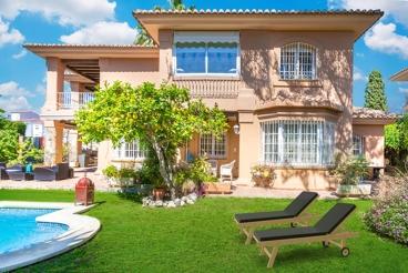 Fabulous villa with lush garden on the Costa del Sol